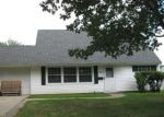 Foreclosed Home en BIRCH DR, Levittown, PA - 19054