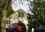 Foreclosed Home en DES MOINES MEMORIAL DR, Seattle, WA - 98198