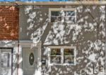 Foreclosed Home en LONGFELLOW ST, Riverdale, MD - 20737