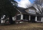 Foreclosed Home en MAUSER ST, Laurys Station, PA - 18059