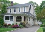 Foreclosed Home en MANATUCK BLVD, Brightwaters, NY - 11718