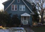Foreclosed Home en ELLIOTT PL, Freeport, NY - 11520