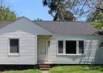 Foreclosed Home en CEDAR CREST DR, Lebanon, MO - 65536