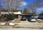 Foreclosed Home en W GRUENWALD AVE, Oshkosh, WI - 54901