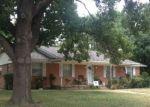 Foreclosed Home en WOODHUE RD, Dallas, TX - 75228