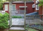 Foreclosed Home en THROOP ST, Dickson City, PA - 18519