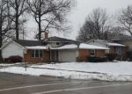 Foreclosed Home en BRENDAN LN, North Olmsted, OH - 44070