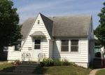 Foreclosed Home en CARIMONA ST, Winona, MN - 55987
