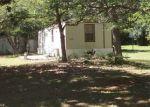 Foreclosed Home en CAPRI AVE, Fountain, FL - 32438
