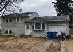 Foreclosed Home en DEBRA DR, Bensalem, PA - 19020