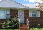 Foreclosed Home en MEADOWSPRING RD, Richmond, VA - 23223