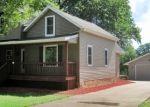 Foreclosed Home en N WALNUT AVE, Marshfield, WI - 54449