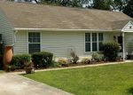 Foreclosed Home en OAKLAND AVE, Hampton, VA - 23663