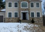 Foreclosed Home en GLEN CIRCLE DR, Tobyhanna, PA - 18466