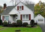 Foreclosed Home en W MILL ST, Quakertown, PA - 18951