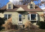 Foreclosed Home en BARCLAY AVE, Morrisville, PA - 19067
