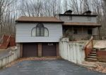 Foreclosed Home en COUNTRY CLUB DR, Gouldsboro, PA - 18424