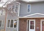 Foreclosed Home en FOREST HILLS DR, Saint Charles, MO - 63303