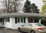 Foreclosed Home en SUMMIT RD, Mountain Top, PA - 18707