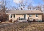 Foreclosed Home en W GREENWOOD PL, Peoria, IL - 61615