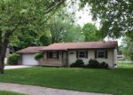 Foreclosed Home en MAPLECREST DR, Waterford, MI - 48329