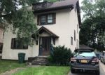 Foreclosed Home en E RIDGE RD, Rochester, NY - 14621