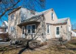 Foreclosed Home en N PENROSE ST, Quakertown, PA - 18951