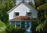 Foreclosed Home en KENNEDY RIDGE RD, North Olmsted, OH - 44070