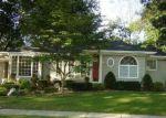 Foreclosed Home en SOUTH LN, Huntington, NY - 11743