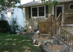 Foreclosed Home en E 34TH TER S, Independence, MO - 64055