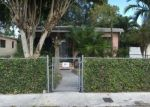 Foreclosed Home en E 8TH LN, Hialeah, FL - 33013
