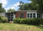 Foreclosed Home en LAFLAM CIR, Jacksonville, FL - 32208