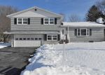 Foreclosed Home en ROSEWOOD CIR, Syracuse, NY - 13212