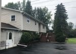 Foreclosed Home en THOMPSON RD, Syracuse, NY - 13212
