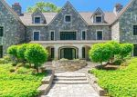 Foreclosed Home en WYDENDOWN RD, New Canaan, CT - 06840