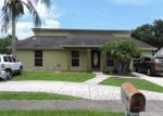 Foreclosed Home en DRYCREEK DR, Tampa, FL - 33615
