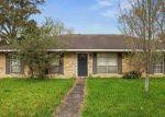 Foreclosed Home in MISTLETOE ST, Gonzales, LA - 70737