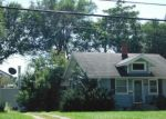 Foreclosed Home in N 4TH AVE E, Newton, IA - 50208