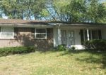 Foreclosed Home en LAKEHEIGHTS LN, Saint Louis, MO - 63138