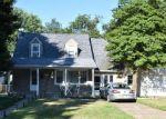 Foreclosed Home en WINDER DR, Bristol, PA - 19007