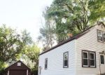 Foreclosed Home en WALLACE LAKE RD, West Bend, WI - 53090