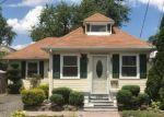 Foreclosed Home en CENTER AVE, Middletown, NJ - 07748