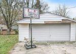 Foreclosed Home en CARLIER ST, Clinton Township, MI - 48035