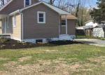 Foreclosed Home en CHEWS LANDING RD, Clementon, NJ - 08021