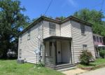 Foreclosed Home en W WASHINGTON ST, Petersburg, VA - 23803