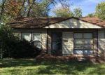 Foreclosed Home en DELORES DR, East Saint Louis, IL - 62206