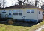 Foreclosed Home in SOUTHLAND DR, Radcliff, KY - 40160