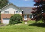 Foreclosed Home en OLD ORCHARD RD, York, PA - 17402
