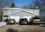 Foreclosed Home en W MANGOLD AVE, Milwaukee, WI - 53221