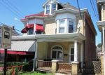 Foreclosed Home en W BERWICK ST, Easton, PA - 18042